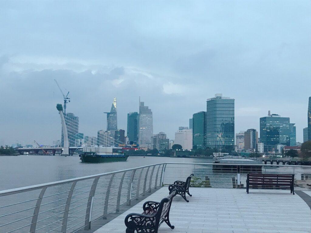 Công viên view sông thiết kế phong cách Singapore tại Vinhomes Bason Aqua